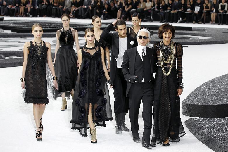 Karl lagerfeld fashion show 96